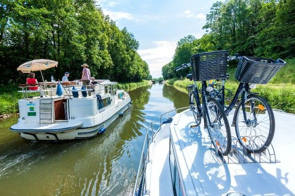 Bateau sans permis sur canal en France