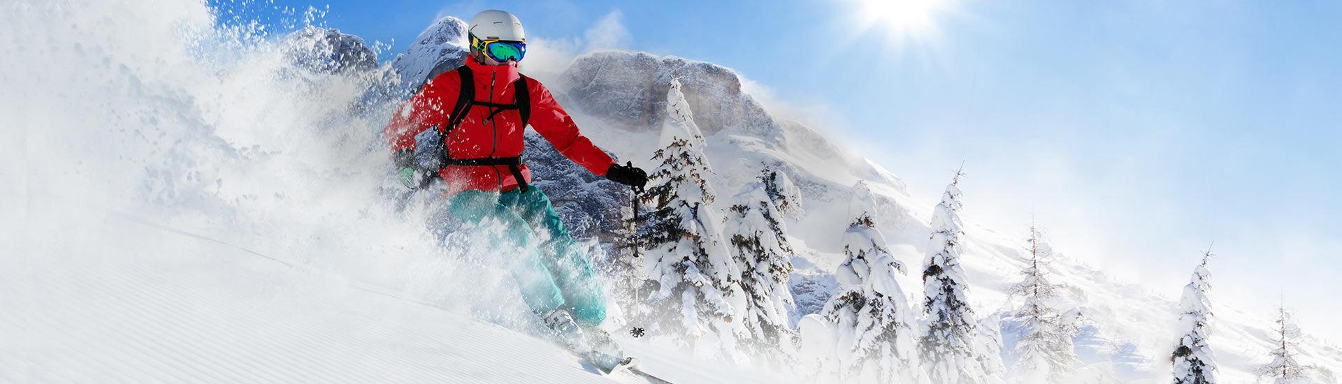 Skieur dans les Alpes